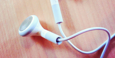 8 Things You Never Knew Your iPhone's Headphones Could Do | iPad and iPhone Apps | Scoop.it