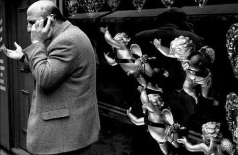 Street photography | Photographer: Matt Stuart | BLACK AND WHITE | Scoop.it