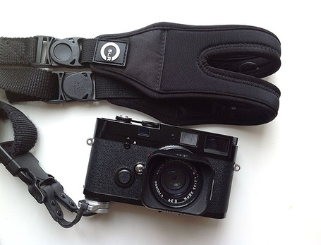 Review of the CSLR Glide Strap for Street Photography | Eric Kim | Fuji X-Pro1 | Scoop.it