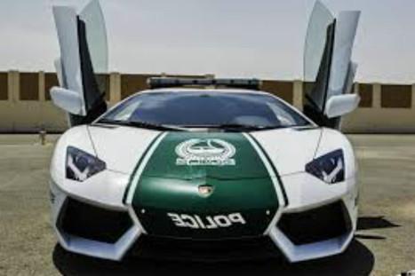 La policía de Dubai patrulla en autos Lamborghini   CAR IMA   Scoop.it