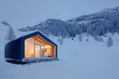 LEAPfactory installs prefabricated ski school beside Mont Blanc | sustainable architecture | Scoop.it