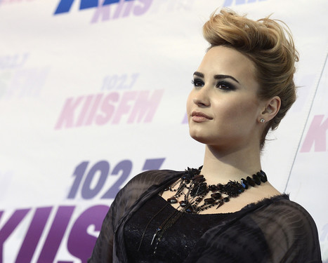 Inspired By Her Father's Death, Demi Lovato Gives Back | Mental Health & Creativity | Scoop.it