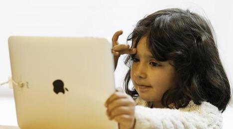 """Avis aux parents """"sociaux"""" : ces risques insoupçonnés mais bien réels que vous prenez en postant des photos de vos enfants sur Facebook   Les réseaux sociaux - EPN Cyberglac' La Glacerie   Scoop.it"""