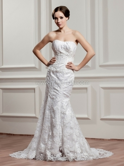 Sheath/Column Sweetheart Lace Court Train Beading Wedding Dresses - www.millybridal.com | wedding and event | Scoop.it