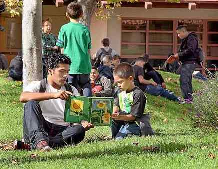 Young volunteers read to 600 children | The Reading Librarian | Scoop.it