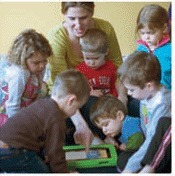 Touch and Grow: Learning and Exploring Using Tablets | National Association for the Education of Young Children | NAEYC TYC | Teaching Young Children Magazine | iPad and Early Learners | Scoop.it