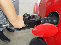 Come risparmiare benzina in 10 mosse, con una guida più efficiente | Bilancio Familiare | Scoop.it