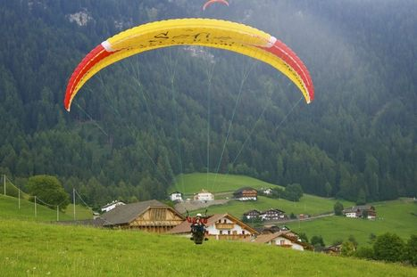 Paragliding Over Alpe di Siusi (Seiser Alm) - Monkeys and Mountains | Adventure Travel - Hang on Tight | Scoop.it