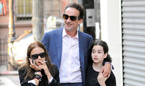 Mary-Kate Olsen Smokes a Cigarette in Front of Boyfriend Olivier Sarkozy's Daughter | Content Ideas for the Breakfaststack | Scoop.it