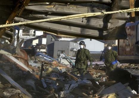 [Photo] Les militaires japonais recherchent dans les décombres d'un monument - KENSENNUMA | Daylife | Japon : séisme, tsunami & conséquences | Scoop.it