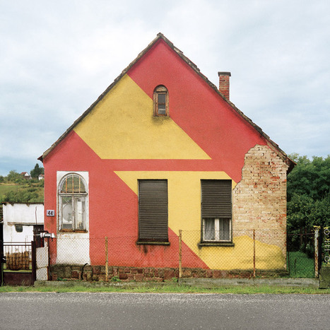 Hungarian Cubes: photographs of post-war houses by Katharina Roters | What's new in Visual Communication? | Scoop.it