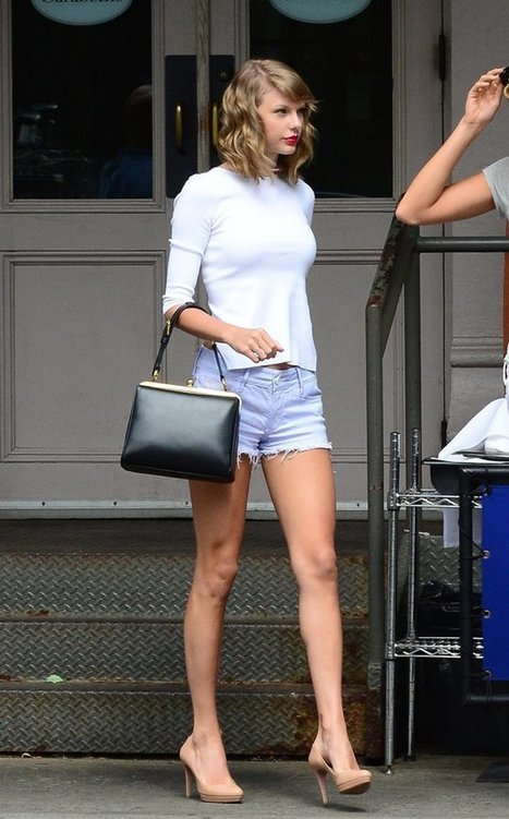 When It Comes to Handbags, Taylor Swift Definitely Has a Type | Purses and Handbags | Scoop.it