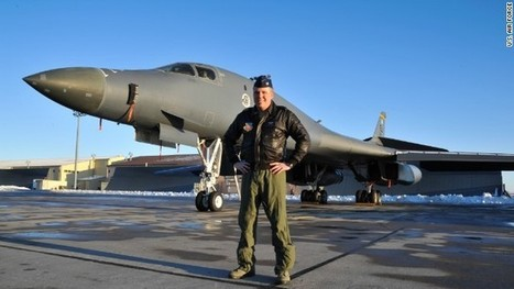 Bomber pilot helped in airline cockpit during emergency | Aviation & Airliners | Scoop.it
