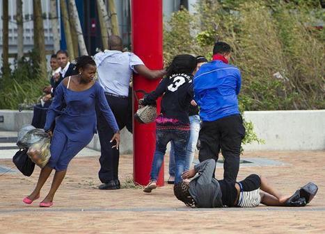 Duisende mense in Kaapstadse hawe gestrand : Maroela Media   Kaapstad   Scoop.it