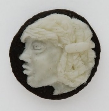 If It's Hip, It's Here: Oreo Cream Centers Carved Into Cameos. Don't Dunk These In Milk! | For Art's Sake-1 | Scoop.it