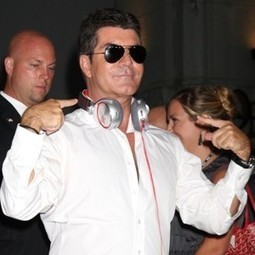 You'll Never Believe Who Simon Cowell Invited to His Young Girlfriend's Baby Shower | SEO News and Tips from around the World | Scoop.it