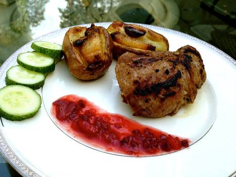 LATVIAN FUSION STEAK  BAKED POTATOES WITH CRANBERRY SAUCE | Latvian cuisine | Scoop.it