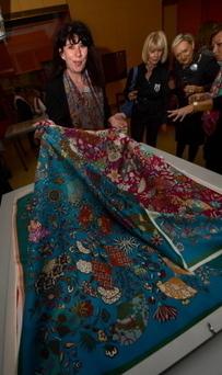 Un carré de soie Hermès inspiré par le musée des Tissus de Lyon | Les jeunes créateurs lyonnais | Scoop.it