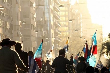 Uruguay / Marcha Nacional 11/10/2012  Por la Tierra y los Bienes Naturales /DE TODAS PARTES VIENEN   MOVUS   Scoop.it