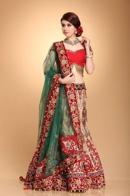 Go Traditional And Fashionable With Designer Wedding Dresses! :: designer-wear | KapilandMonika | Scoop.it