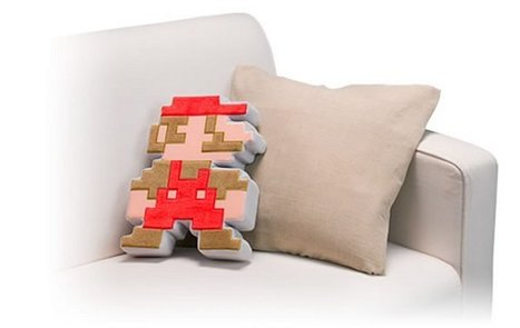 Pixelated Mario Cushion: For Japan's Club Nintendo Only of Course | All Geeks | Scoop.it