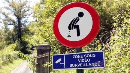 Interdiction de déféquer: le panneau insolite | Plusieurs idées pour la gestion d'une ville comme Namur | Scoop.it