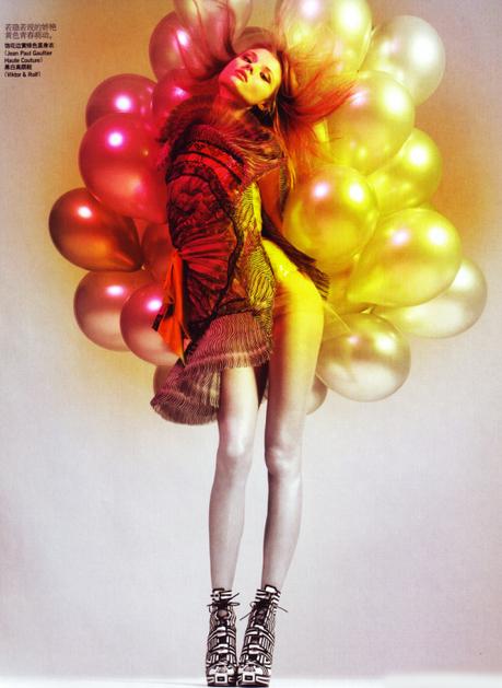 20 fotografie con i palloncini: da David LaChapelle alla ballon artist Rie Hosokai   Me Vs. Photography   Scoop.it