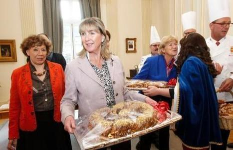 """Traditions in Luxembourg: Bakers prepare for """"Bretzelsonndeg"""" 