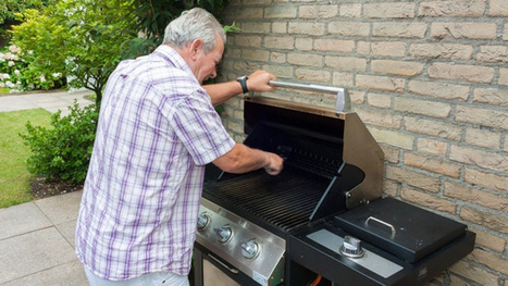 Cook Almost Anything Outdoors By Using Your BBQ As An Oven | Knives, Survival, Bushcraft, and Hunting | Scoop.it