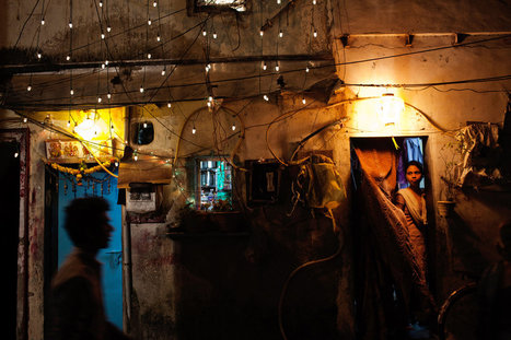 Getting Ahead in Dharavi  | Photographer : Adam Ferguson for NYTimes.com | PHOTOGRAPHERS | Scoop.it
