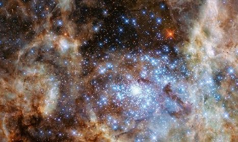 Hubble captures star cluster 30 MILLION times brighter than the sun | HSC Physics | Scoop.it