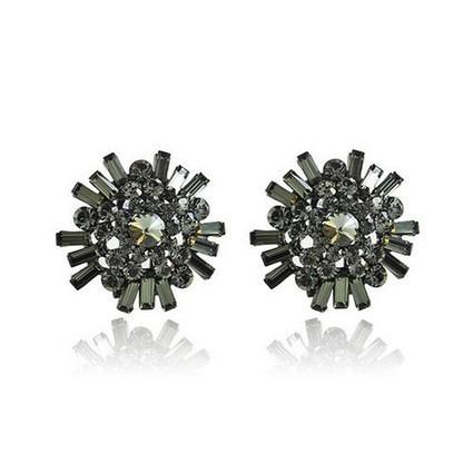 Nonrepresentational Crystal Cluster Swarovski Earrings | Women's Earrings | Scoop.it