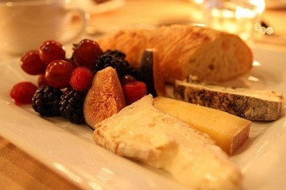 A Cheese-Lover's Tour of Paris by Taylor Ritchie (Guest Contributor ... | Exploring the Paris food scene | Scoop.it