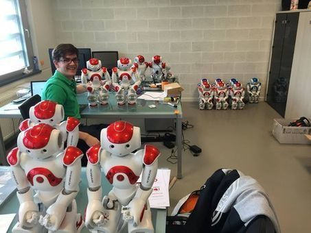 Zora, la solution robotique au service des seniors - Le Monde | Une nouvelle civilisation de Robots | Scoop.it