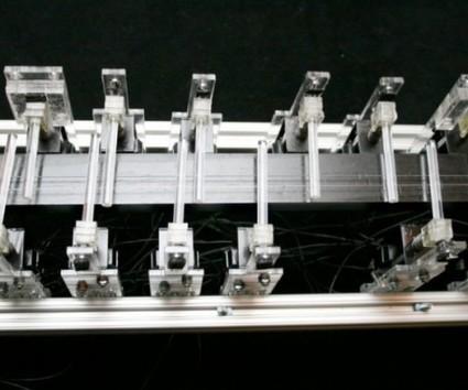 Un robot qui compose des mélodies et joue de façon autonome | Strange days indeed... | Scoop.it