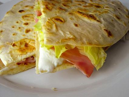 Piadina Romagnola - La ricetta di Buonissimo | Panadería - Pastelería - Cocina | Scoop.it