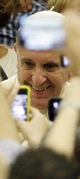 Papa sonha com Igreja que seja «mãe» numa sociedade cheia de «órfãos» de «afeto» e «gratuidade» | Secretariado Nacional da Pastoral da Cultura | imissio | Scoop.it