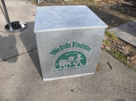 nice big solid shape galvanized WELSH FARMS metal delivery dairy porch advertising MILK bottle box | Antiques & Vintage Collectibles | Scoop.it