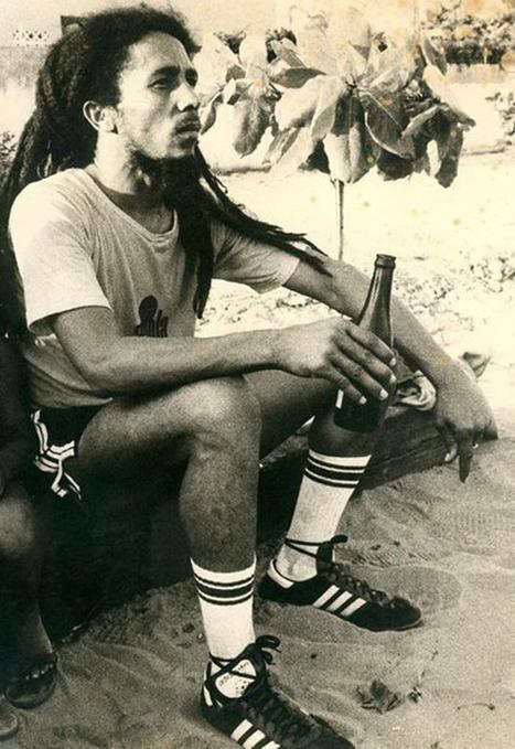 Twitter / iHistorico: Bob Marley tomando una cerveza ... | Alfredo Dinho | Scoop.it