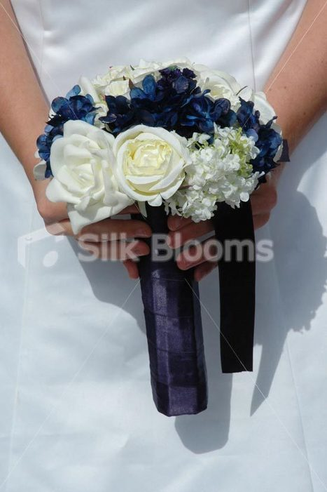 Ivory and Navy Bridesmaid Bouquet w/ Roses, Peonies & Hydrangea Ivory and Navy Bridesmaid Bouquet w/ Roses, Peonies & Hydrangea [Madison - Bridesmaid] - £39.99 : Silk Blooms UK | Wedding mood board | Scoop.it