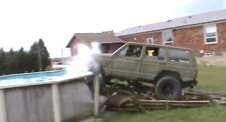 Regardez comment terminer sa course dans l'eau en Jeep en voulant sauter par-dessus une piscine - Vidéos Fail/Win/OMG   Insolite, Weird News   Scoop.it