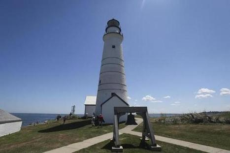 When the light goes out: The uncertain future of lighthouses - The Boston Globe | enjoy yourself | Scoop.it