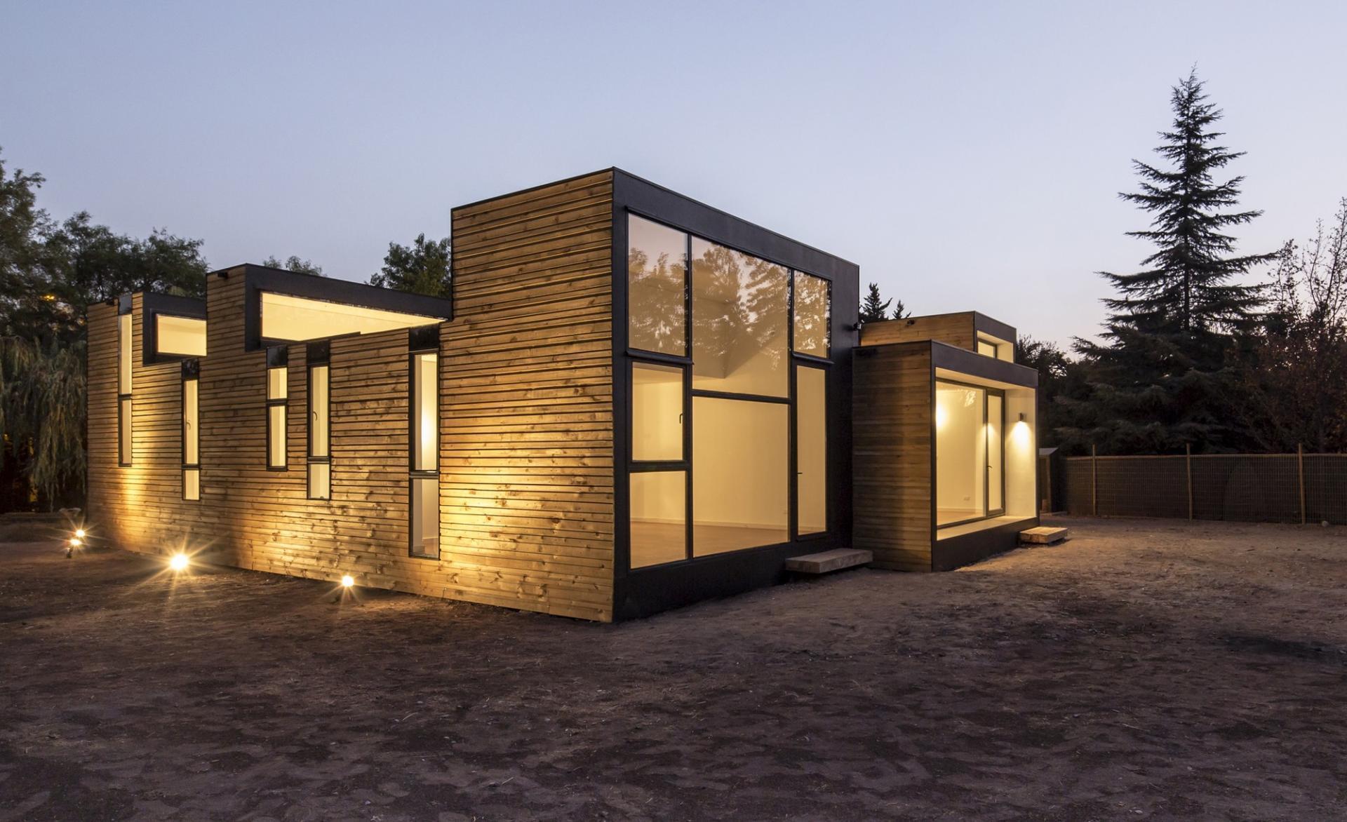 maison contemporaine en panneaux de bois modula. Black Bedroom Furniture Sets. Home Design Ideas