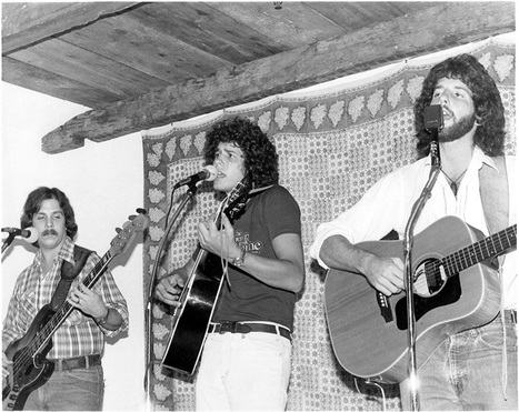 From Louis's at Sanford's: A Nostalgic Look at the 80's with the Russell Brothers Reunion.  Yummy Favorites Old and New | Explore Pawleys Island | Scoop.it