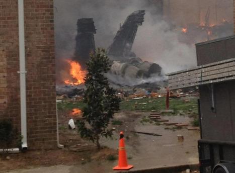 Photos: U.S. Navy jet slams into Virginia Beach apartment building | Highlights News Of The World | Scoop.it