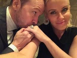Jenny McCarthy loses wedding ring - Movie Balla | Daily News About Movies | Scoop.it