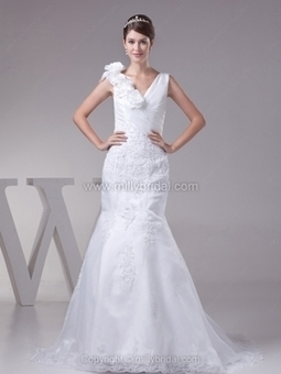 Buy Affordable Bridal Gowns, Beautiful Bride Dresses at Millybridal | generous | Scoop.it