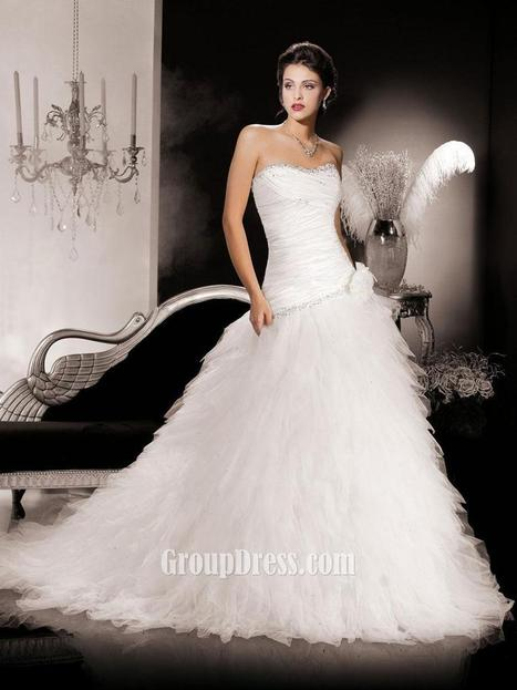 Strapless Ruched Organza Wedding Dress with Layered Skirt | Woman Wedding Dresses | Scoop.it