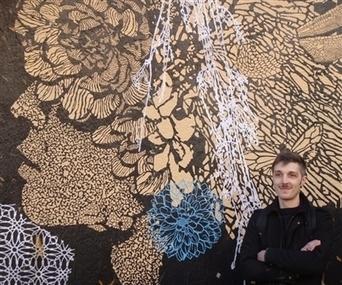 les Pentes. Street Art : 4 collages éphémères sur les murs du 1er - Le Progrès   idées graphiques   Scoop.it