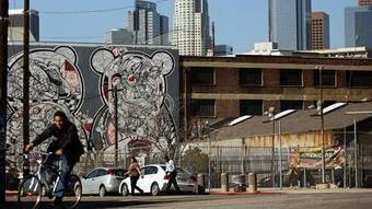 Downtown L.A.'s edgy arts district is neighborhood in transition | Around Los Angeles | Scoop.it